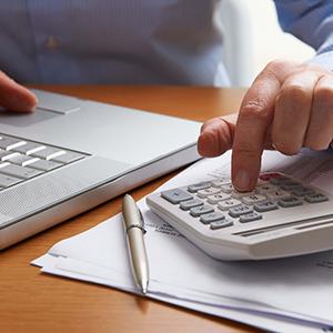 銀行借り入れと割賦販売の特徴