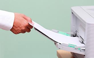 【厚紙は詰まる】厚紙をプリンターで印刷する方法と詰まりを解消